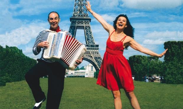 Deux amoureux à Paris