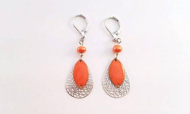 Boucles D'oreille Pendantes - Estampes Fililgrane et Sequin Orange Emaillé